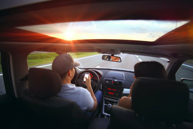 distracted-driving-810.jpg