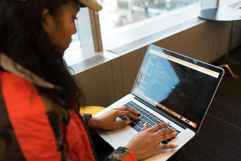 custom-software-developer-810.jpg