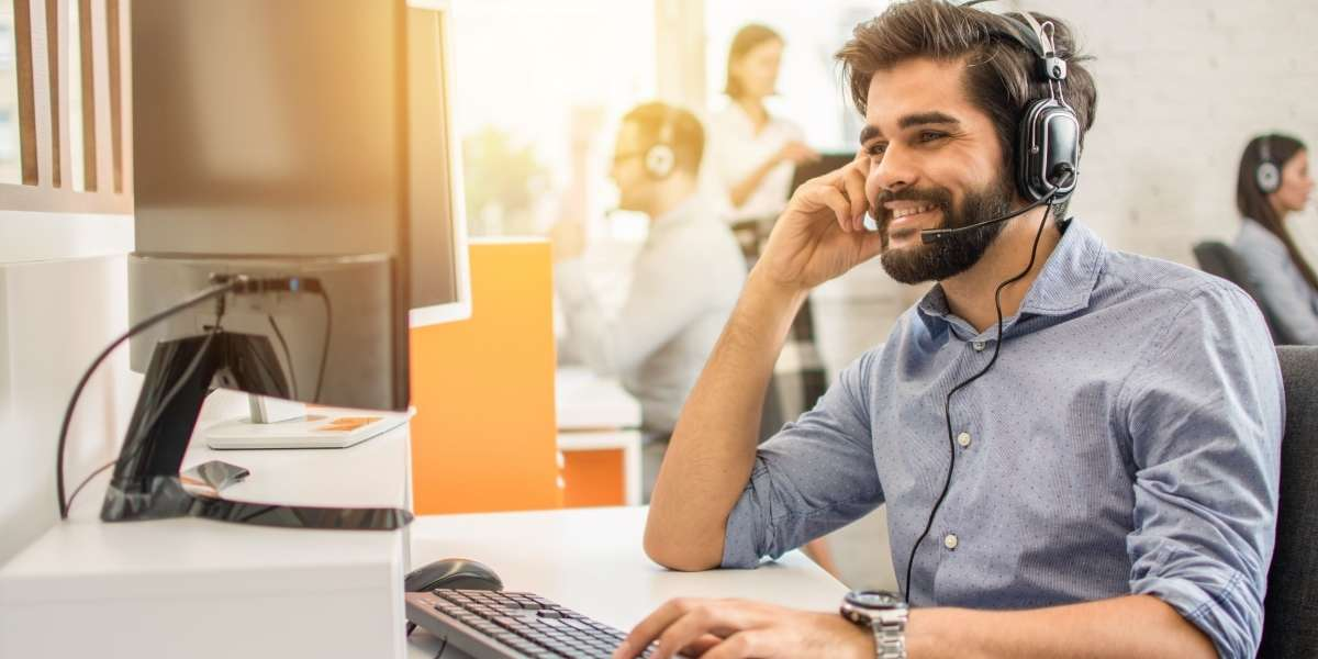 5 Ways to improve contact center agent satisfaction